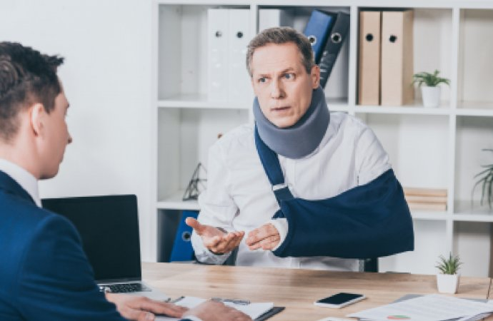 How to Ease an Employee back into Work After an Injury